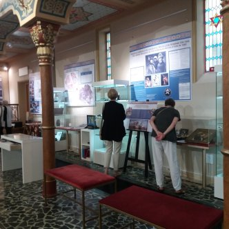 US travellers discovering the history of the Jewish community in Romania